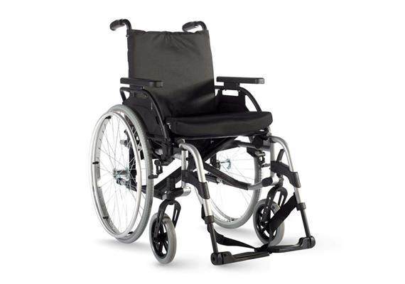 Rollstuhl Breezy Basix2 SB38TB inkl. Ankipphilfe