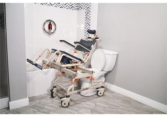 ShowerBuddy Tilt Dusch-/Toilettenstuhl mit Transferschiene für Badewanne